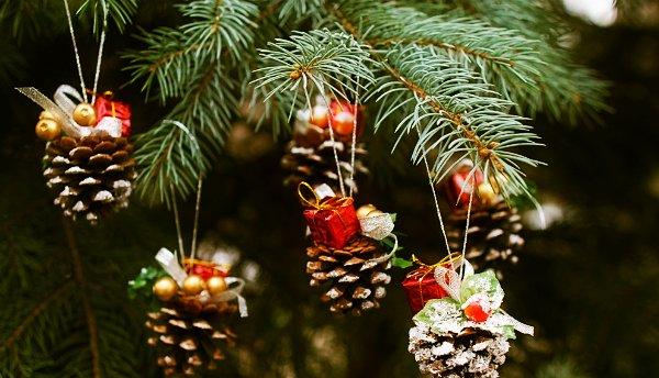 Новогодние украшения своими руками шишка